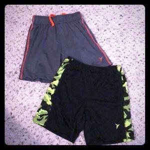 Lot of 2 Go-Dry boy Active shorts Old Navy EUC